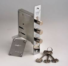 Secure home with locksmith Pendleberry security experts