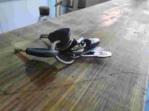 key ring bunch of keys locksmith altrincham